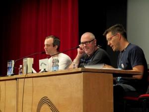 Foto de la charla de Ian McDonald